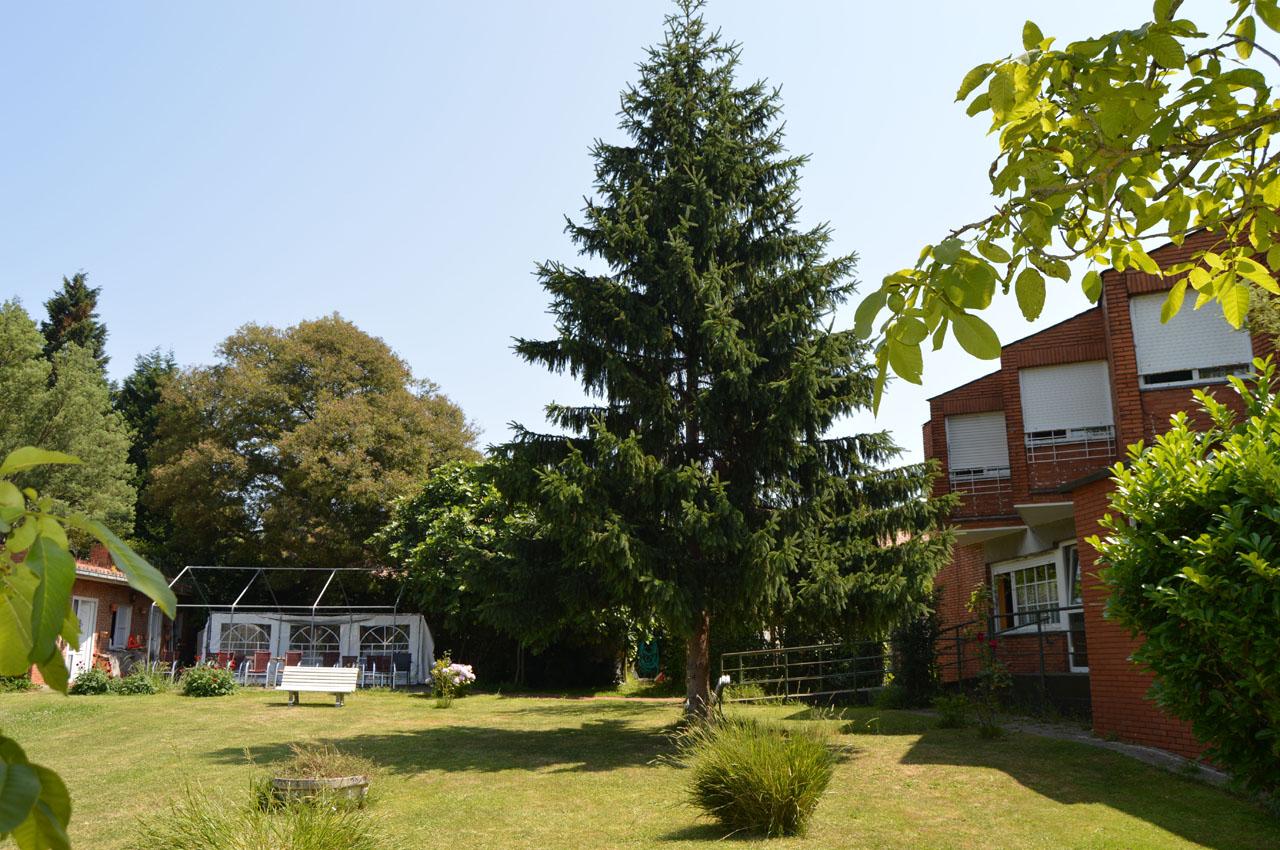 La residencia residencial villa de somi for Residencia el jardin madrid